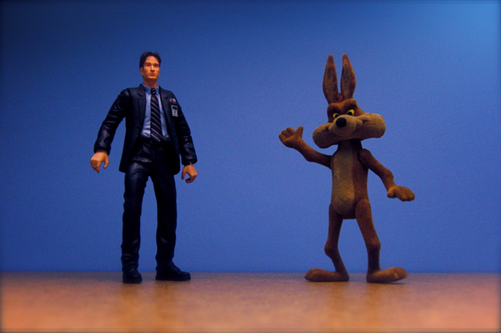 Fox Mulder vs. Wile E. Coyote (28/365)