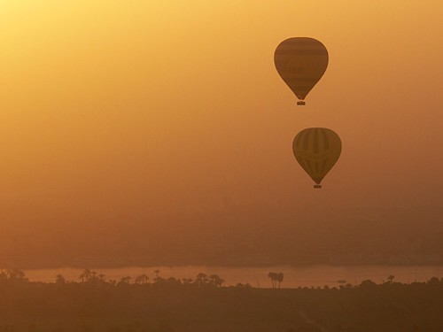 sunrise dawn balloon flight egypt nile kings valley luxor walwyn