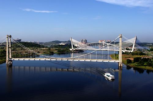 Putrajaya Lake Cruise at two bridges