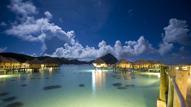 Pearl Resort Bora Bora night - coral garden