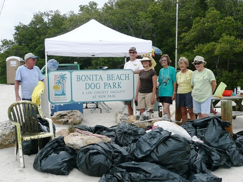 Lee County Coastal Clean-up at Dog Beach