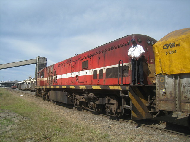Official inspects moving train, Maputo, May 22, 2010