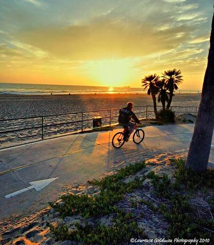 sunsets bicycles beaches southerncalifornia manhattanbeach sunsetlight 1000views 100comments nikond90 micartttt lawrencegoldman lhg11 michaelchee micarttttworldphotograhpyawards