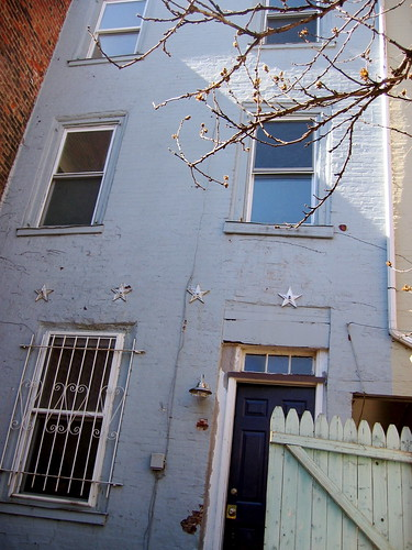 Rent This Quirky Adorable Philadelphia Trinity House C A S A C A R A Old Houses For Fun