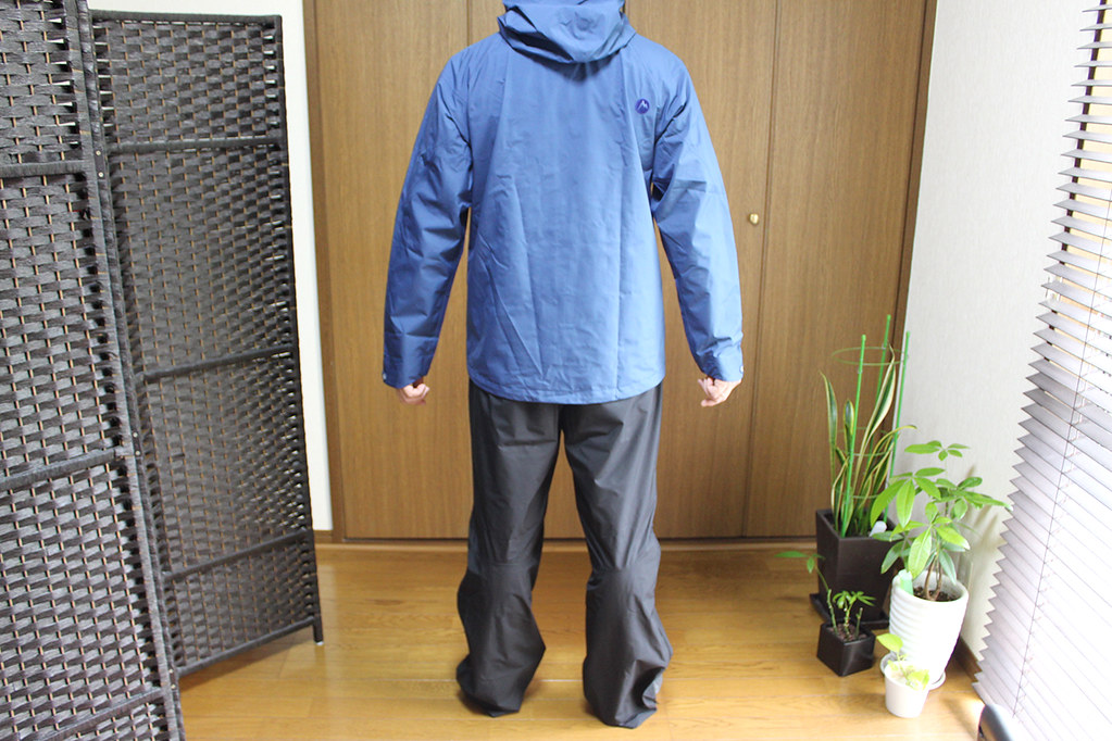 Marmot Comodo Jacket and Pant 後ろから