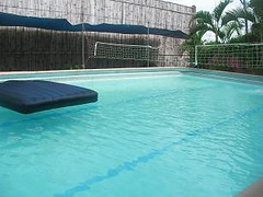 leisure(0.0), jacuzzi(0.0), swimming pool(1.0), leisure centre(1.0), property(1.0),
