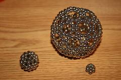 ring(0.0), jewellery(0.0), button(0.0), earrings(0.0), art(1.0), jewelry making(1.0), bead(1.0),