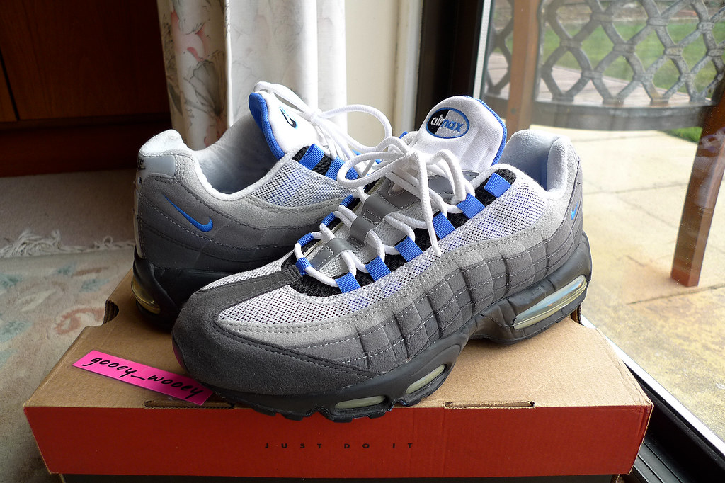 Nike Air Max 95  Black   Blue Crystal  (604116 042) ( 98).…  e09a546d5