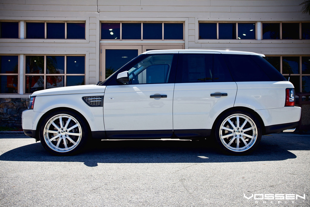 white range rover sport super charged on silver vossen vvs 083. Black Bedroom Furniture Sets. Home Design Ideas