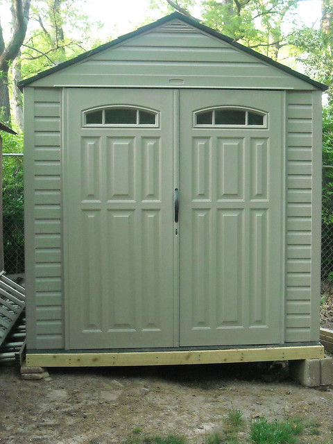 Rubbermaid roughneck outdoor shed flickr photo sharing for Rubbermaid shed