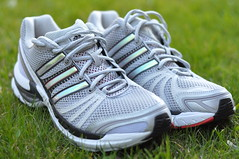cross training shoe(1.0), tennis shoe(1.0), outdoor shoe(1.0), running shoe(1.0), sneakers(1.0), footwear(1.0), shoe(1.0), athletic shoe(1.0),