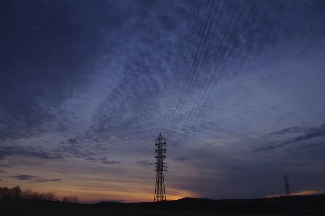 Pylons in Twilgiht / 薄暮の鉄塔