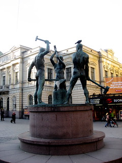 Image of Three Smiths Statue near Helsinki.