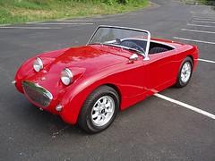 triumph tr3(0.0), supercar(0.0), race car(1.0), automobile(1.0), vehicle(1.0), austin-healey sprite(1.0), classic car(1.0), land vehicle(1.0), sports car(1.0),