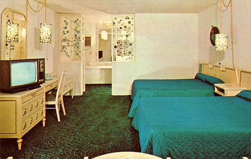 cosmic_age_lodge_anaheim_CA