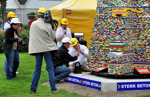 World's Tallest LEGO® Tower built in Limmen, The Netherlands. End of day 4. Worldrecord 30.52 mtrs.
