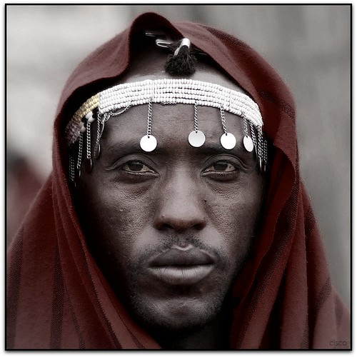"portrait tanzania eyes ngorongoro occhi cisco ritratto masai 500x500 photographia ago2005 artlibre infinestyle winner500 artofimages ""photographia"" bestportraitsaoi elitegalleryaoi aprile2011challengewinnercontest"