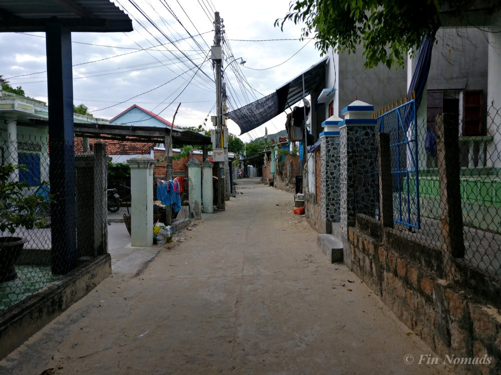 Dam Mon village 2