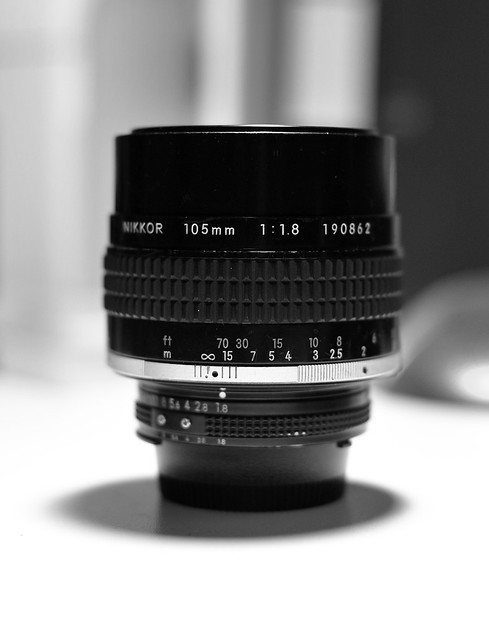 Nikon 105mm f/1.8 AIS