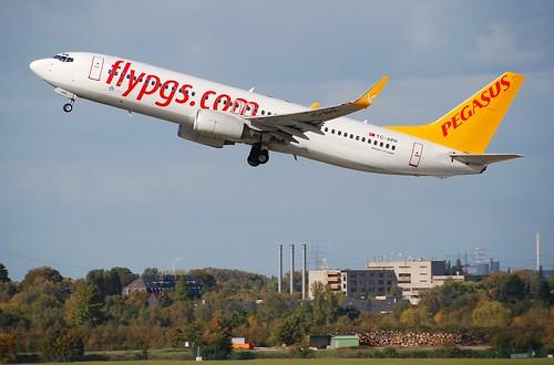Pegasus Airlines Boeing 737-800; TC-APH@DUS;13.10.2009/558mz
