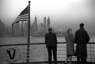 Jack Delano: Lower Manhattan seen from the S.S. Coamo leaving New York, 1941
