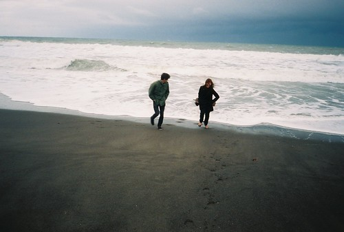 LE LOVE BLOG LOVE PIC IMAGE PHOTO couple boyfriend girl friend girl boy walking on beach laughing cute Untitled by Michelle.Blades., on Flickr