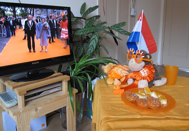 094-365 Queensday