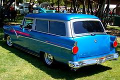 compact car(0.0), sedan(0.0), automobile(1.0), automotive exterior(1.0), vehicle(1.0), ford ranch wagon(1.0), antique car(1.0), classic car(1.0), vintage car(1.0), land vehicle(1.0), luxury vehicle(1.0), motor vehicle(1.0),