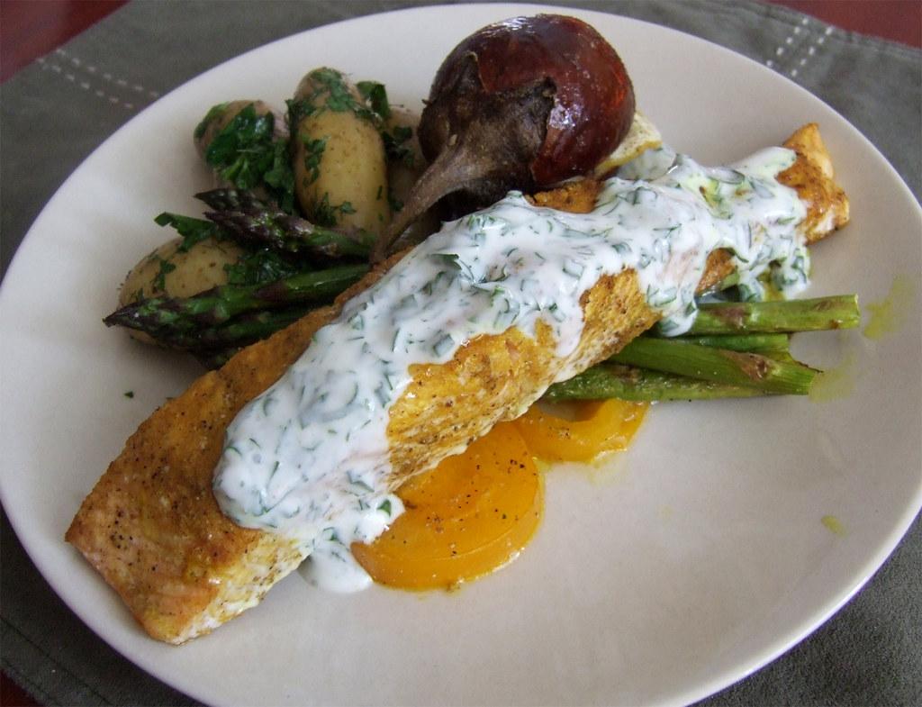 Bon eats indian spiced salmon with herbed yogurt sauce for Bonita fish recipes