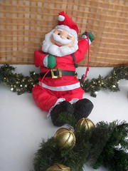 garden gnome(0.0), snowman(0.0), decor(1.0), christmas decoration(1.0), santa claus(1.0), christmas tree(1.0), christmas(1.0),