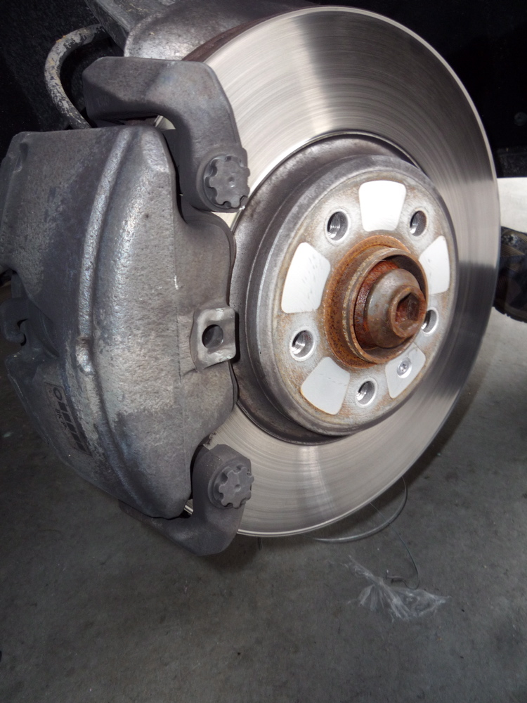 Brake Pad Replacement : B a front brake pads help needed