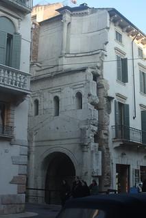 Image of  Porta Leoni. italia it verona portaleona viacappello wikipedia:en=portaleoni