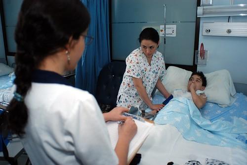 Enfermería UC busca motivar a los pacientes para que verifiquen su diagnóstico de diabetes mellitus en el AUGE