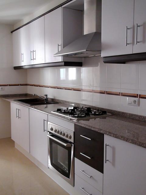 cocina equipada las cocinas est n equipadas con muebles
