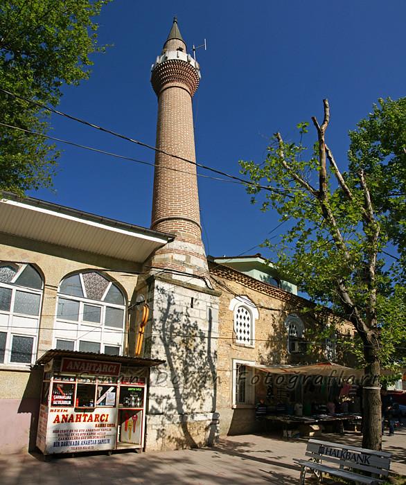 Voyvodo Çınarlı Camii - Yenişehir