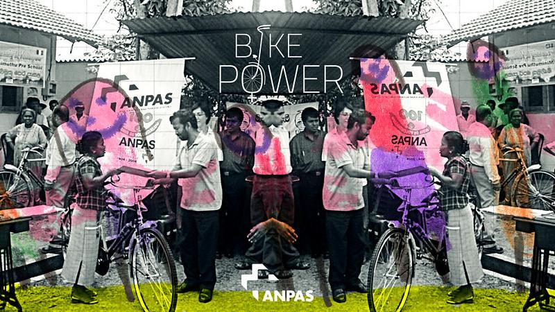 Bike power: una bici per le bimbe del Gambia con Anpas