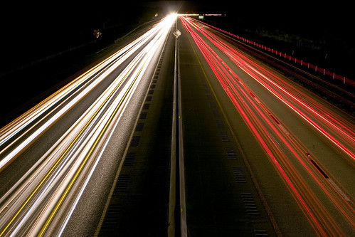 cars night digital vanishingpoint highway long exposure trails symmetry lightstreams