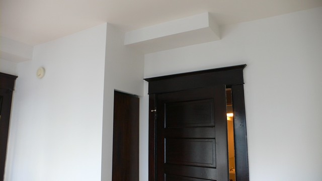White Walls And Dark Wood Trim I Love The Contrast By