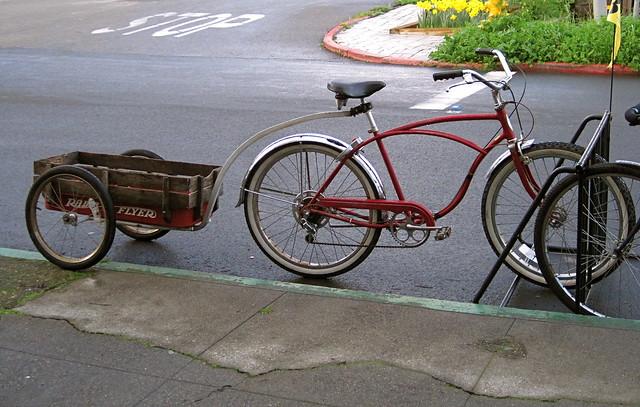 Vintage Schwinn Bicycle With Radio Flyer Bike Trailer