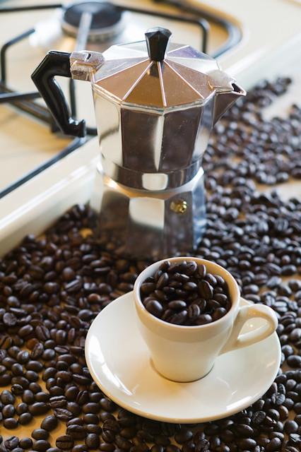Coffee Maker With Beans : 4527989917_dbaffa347d_z.jpg