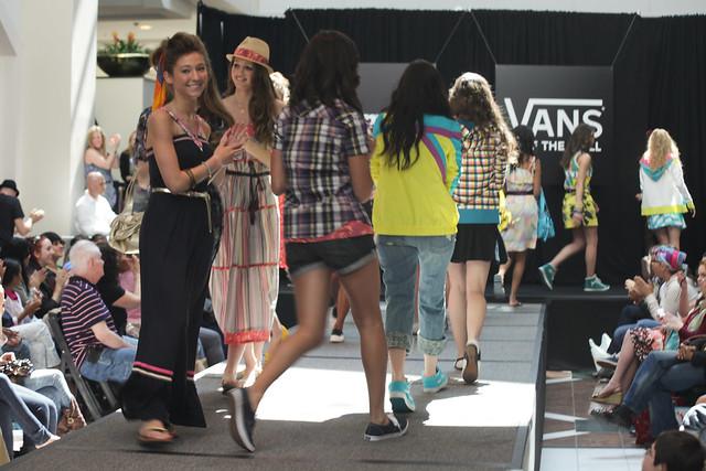 Shopping Teen Vogue Haute Spot 7