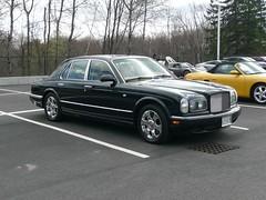 mercedes-benz w126(0.0), automobile(1.0), automotive exterior(1.0), wheel(1.0), vehicle(1.0), rolls-royce silver seraph(1.0), bentley arnage(1.0), sedan(1.0), land vehicle(1.0), luxury vehicle(1.0), bentley(1.0),