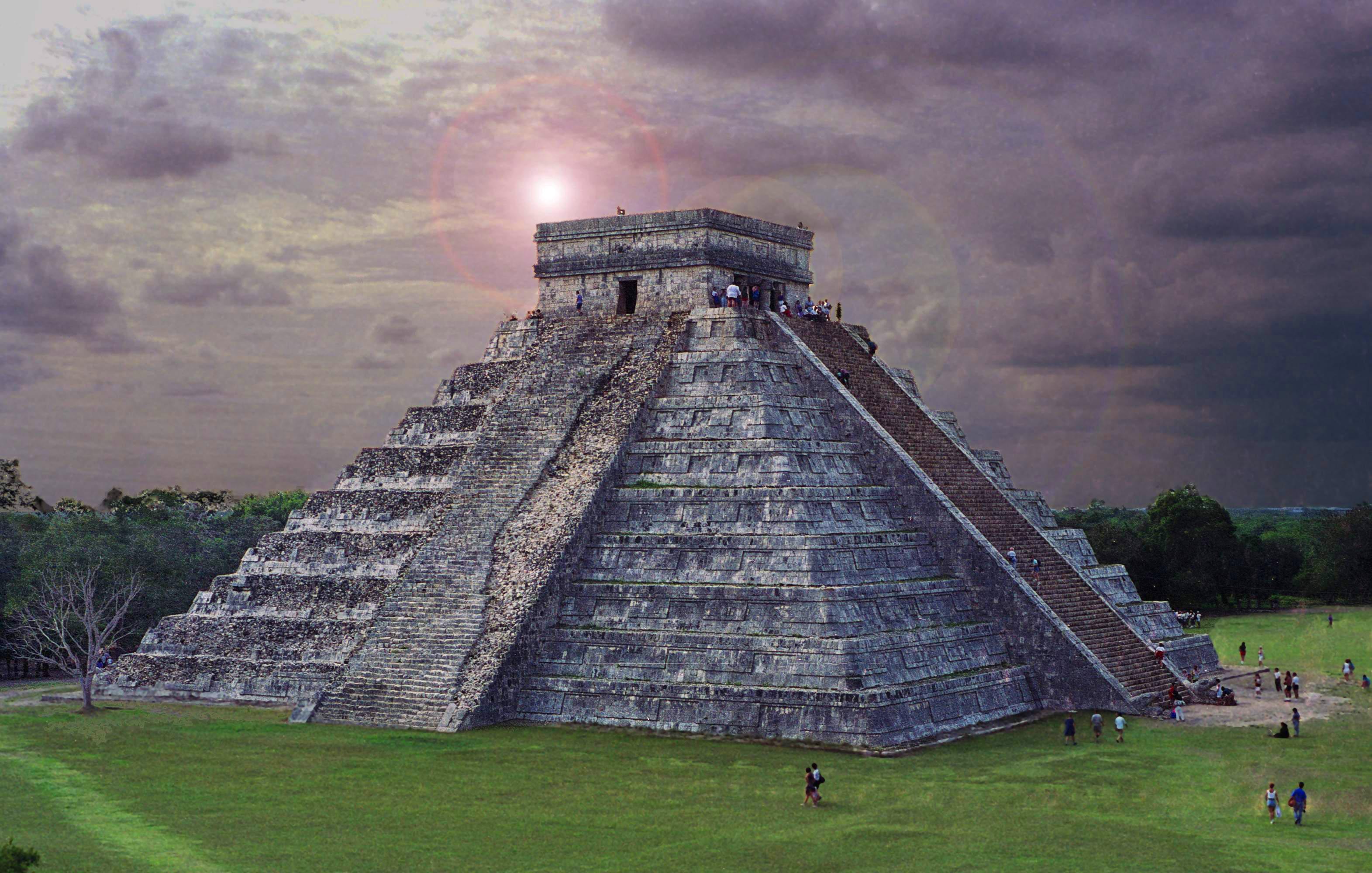 chichen itza aztec temple mayan light beam flickr