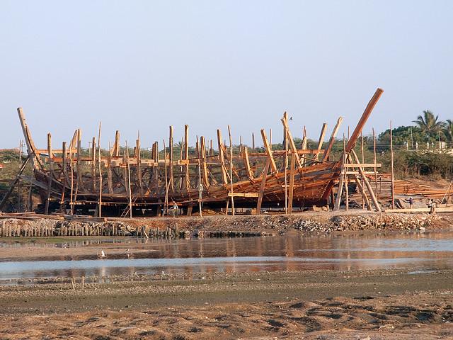 Traditional Ship Building Center, Mandavi, Gujarat ...