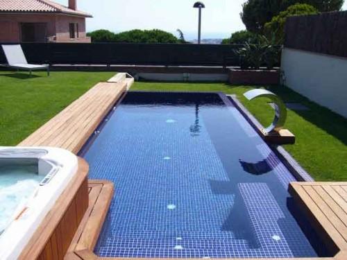 Las piscinas desbordantes o rebosantes for Construccion de piscinas precios chile