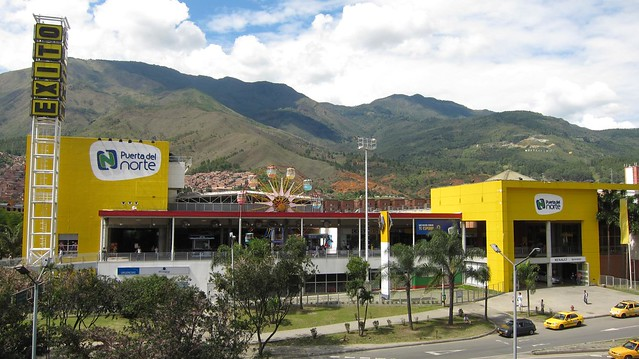 Puerta del Norte shopping mall in Niquia.