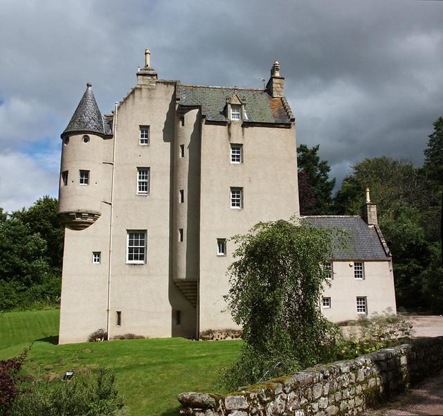 8 Lickleyhead Castle Amp The Grand Luz Flickr Photo