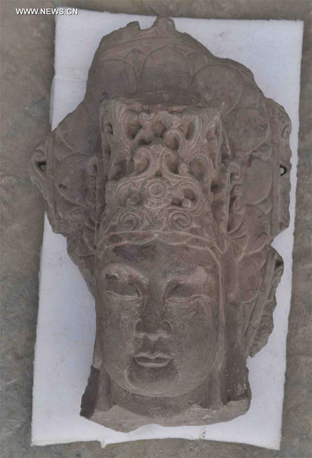 Arca kepala bodhisattva. salah satu penemuan di situs Vihara Fugan.