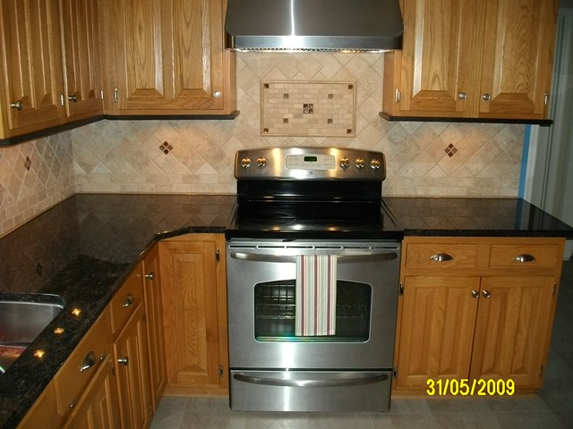 Kitchen Granite with Tile Backsplash | Flickr - Photo Sharing!