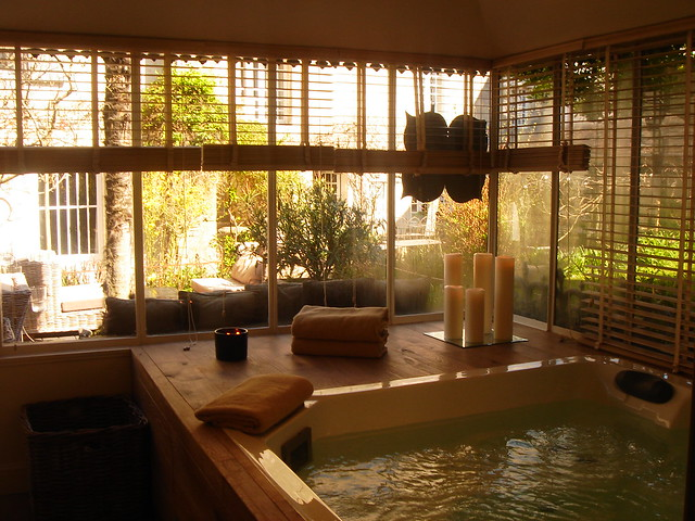 la maison douce le jacuzzi 2 flickr photo sharing. Black Bedroom Furniture Sets. Home Design Ideas